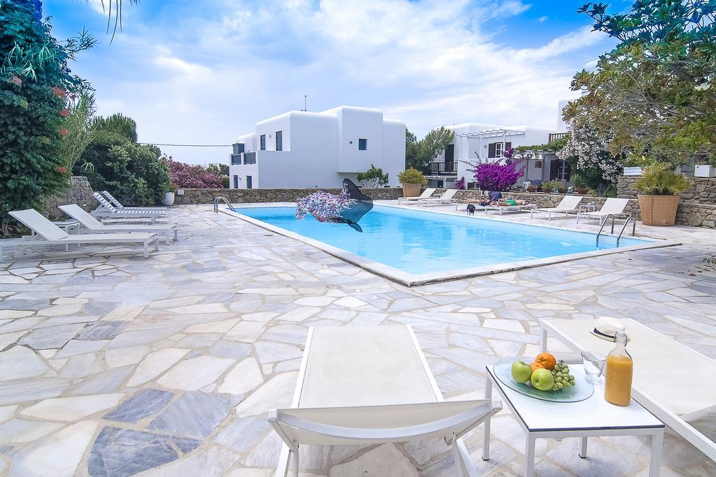 The Benefits of Renting a Villa With Pool in Mykonos
